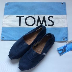 Toms Canvas Slip ons (navy)
